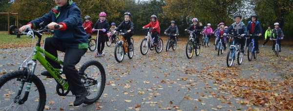 Children-on-bikes