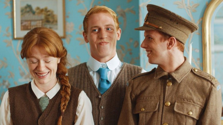 The three red-haired Crowder siblings! Played by Victoria Rigby, Adam Fox and Reece Ackerman.