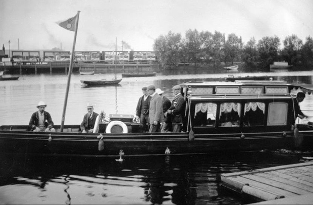 A Civic Barge pictured on the Brayford in 1911.