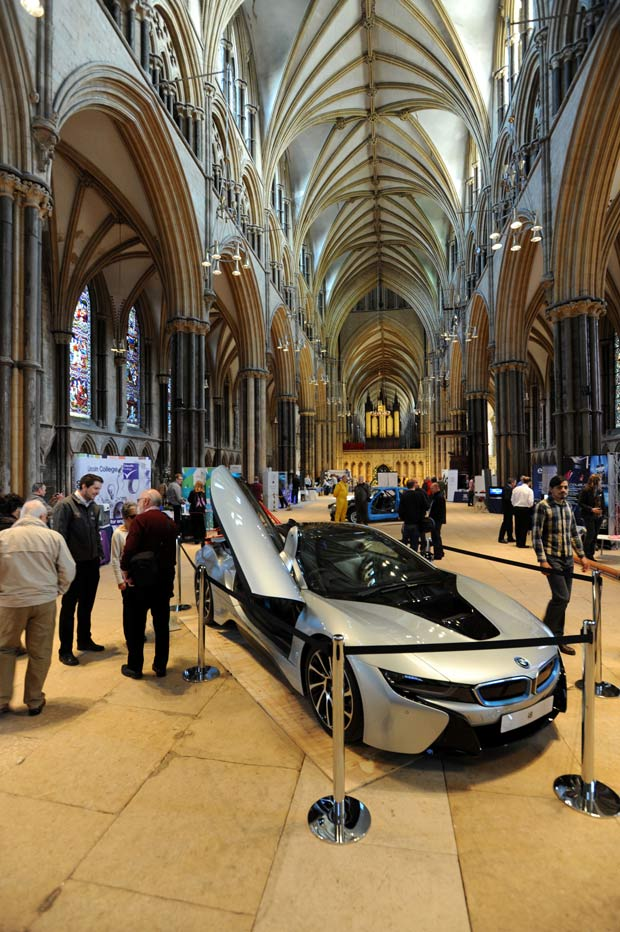 The BMW i8 is taking pride of place in the nave of the cathedral.
