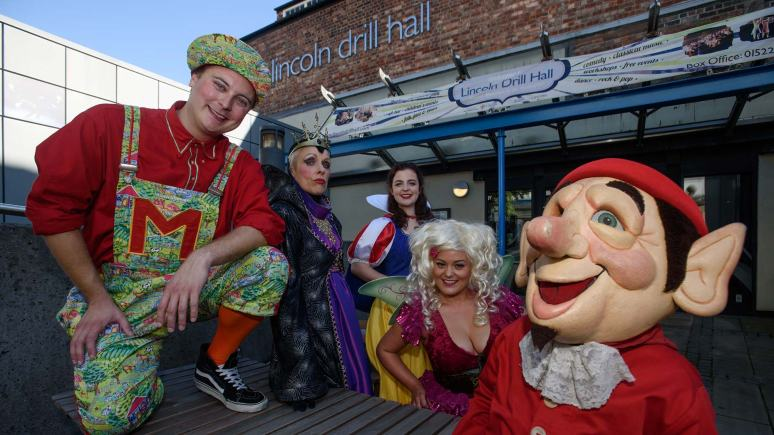 12 Gifts Of Christmas Cast.Panto Cast Call For Lincoln Public To Donate Christmas Gifts
