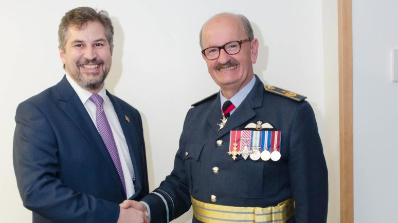 Lincoln College CEO Gary Headland and The High Sheriff of Lincolnshire, Air Vice-Marshall Gavin Mackay.