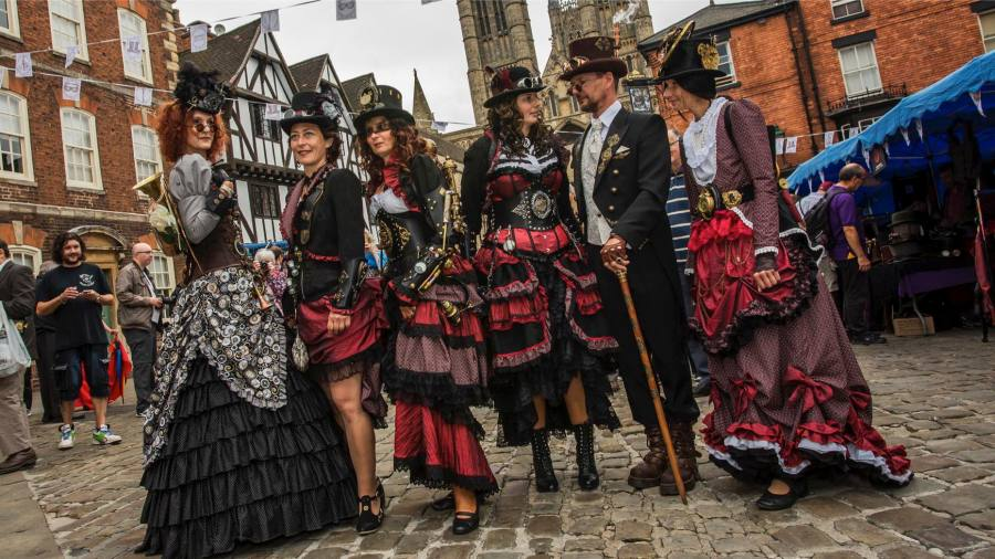 Sensational costumes and Steampunk fun to land in Lincoln this bank holiday