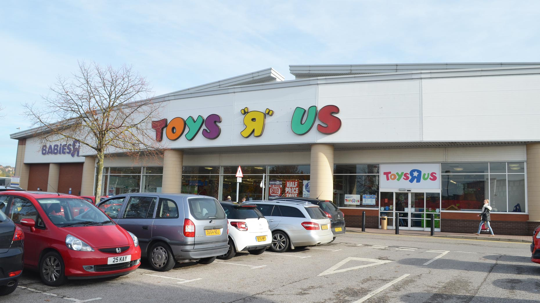 Toys R Us confirms store closures as MPs scrutinise failing chains