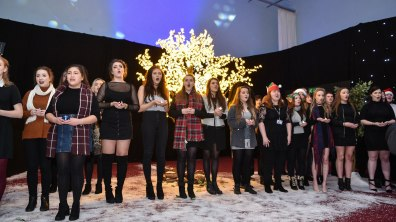 Lincoln College Performing Arts students opened the even with a rendition of Christmas songs. Photo: Steve Smailes for The Lincolnite