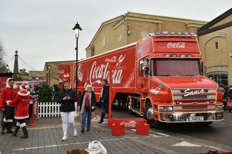 coca-cola-truck-lincoln-1