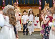Children stage their own royal wedding in Lincoln