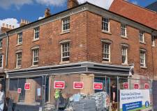 Jobs up for grabs at new Lincoln food store
