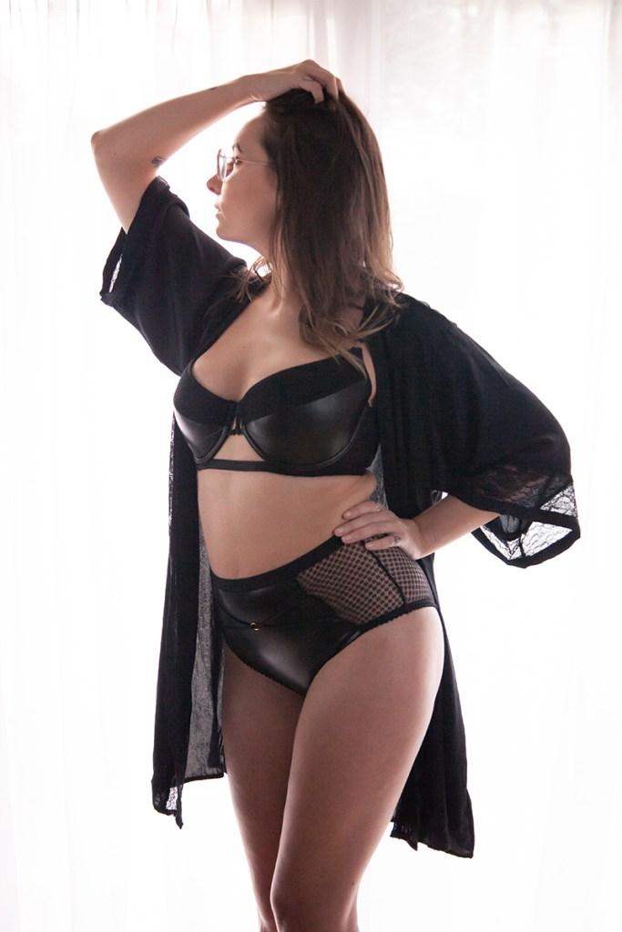 rougette tutti rouge wren pvc lingerie set with black robe