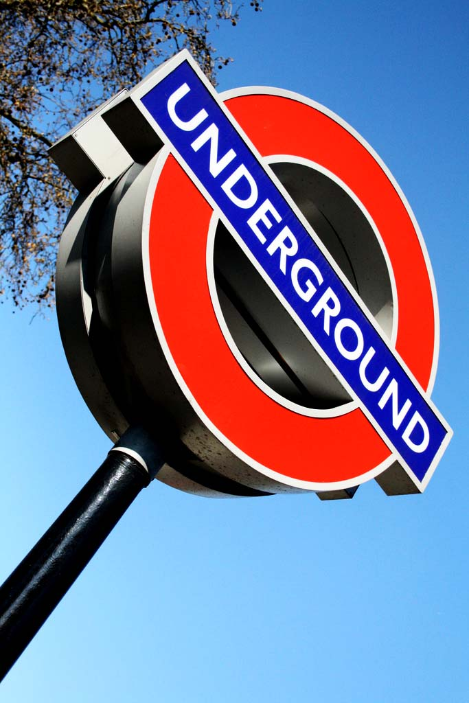 Why I LOVE To HATE The London Underground