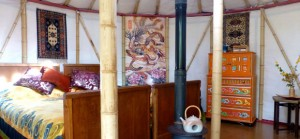 quirky accommodation with canopy and stars interior-with-bed-of-waterf_cs_gallery_preview