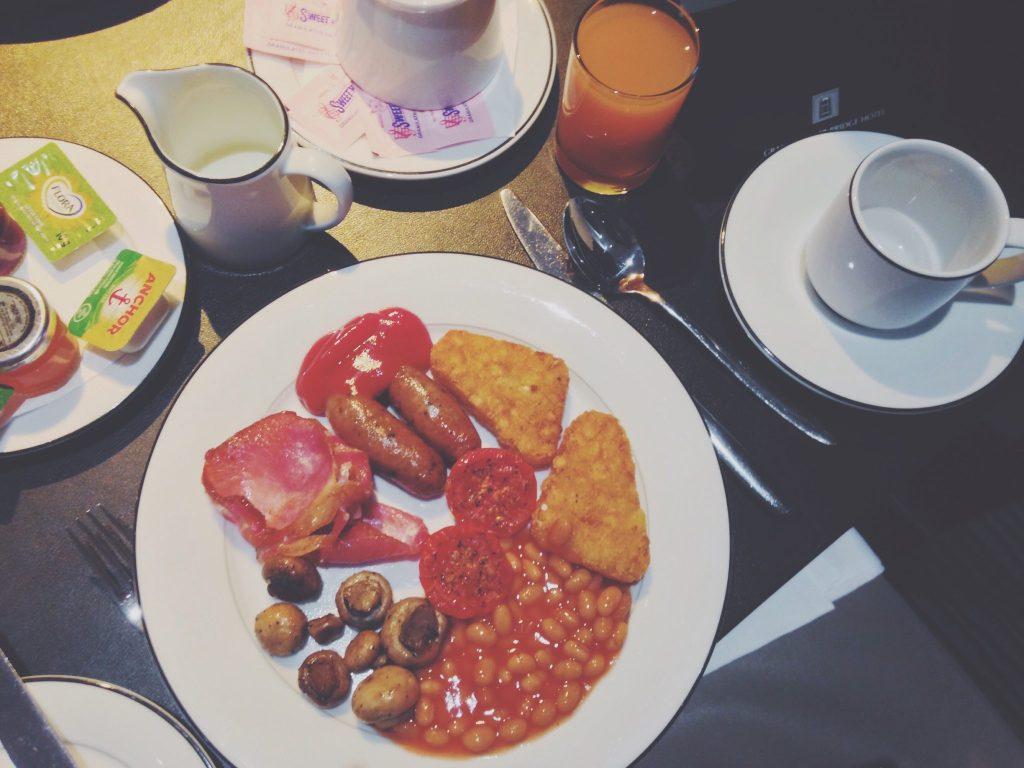 breakfast at grange tower bridge hotel