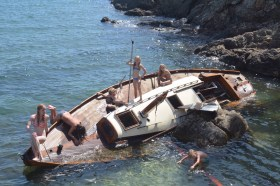 Shipwrecked yacht in Hyères after a storm