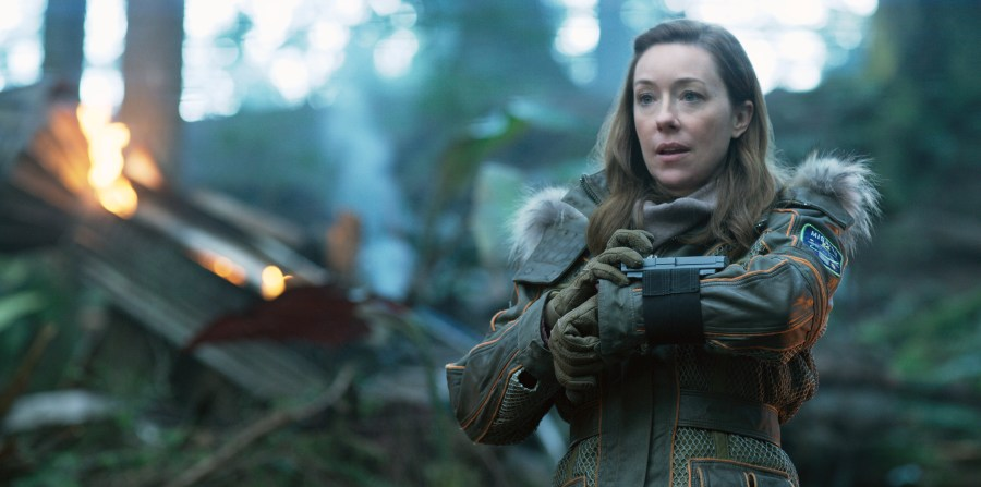 Molly Parker is a loving mom in Lost in Space. | Credit: Netflix