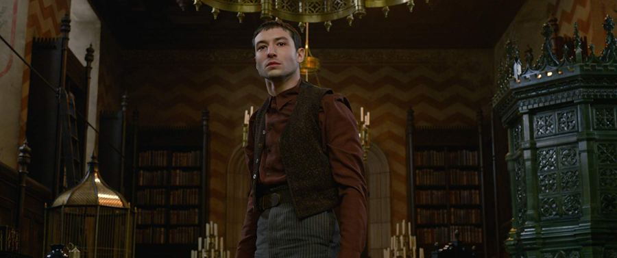 Who is Ezra Miller's character Credence Barebone in Crimes of Grindelwald?   The Little Binger   Credit: © 2018 WBEI Publishing Rights © J.K.R. TM WBEI