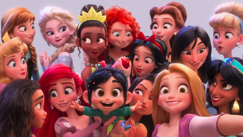 """SELFIE! – In """"Ralph Breaks the Internet,"""" Vanellope von Schweetz hits the internet where she encounters and then befriends the Disney princesses. ©2018 Disney. All Rights Reserved. 