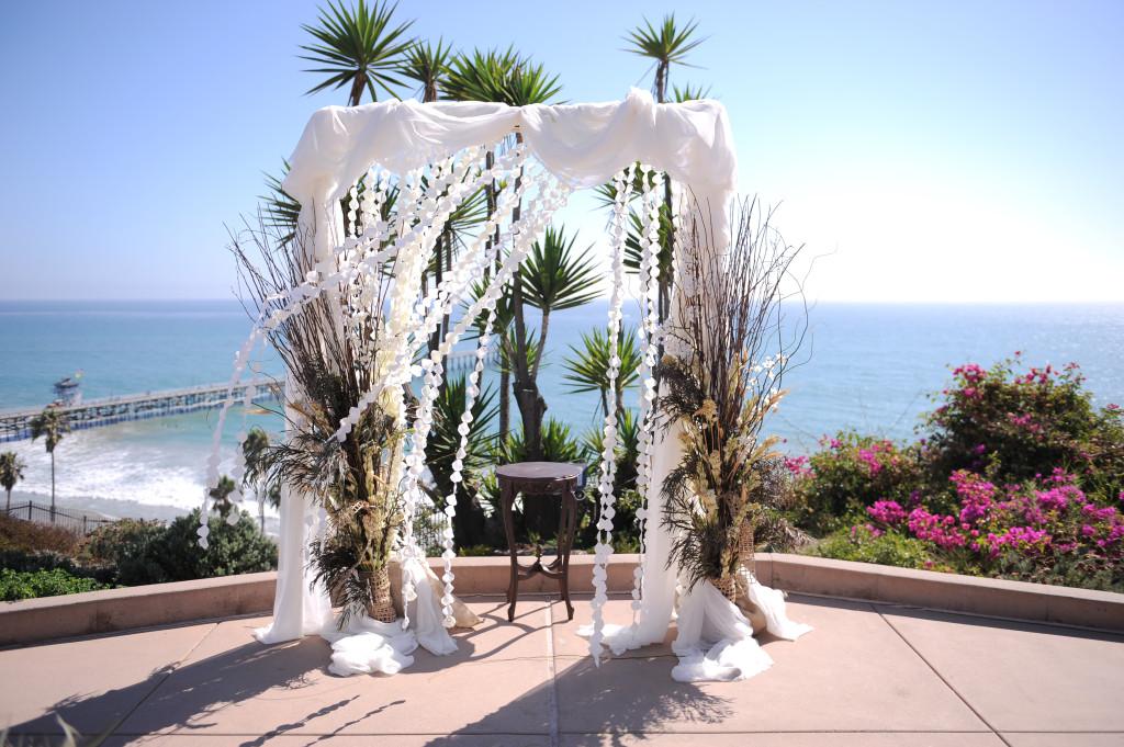 Artsy Classic Outdoor Romantic California Wedding