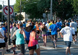 Crowd at 0.6 miles - that's me in the orange shirt!