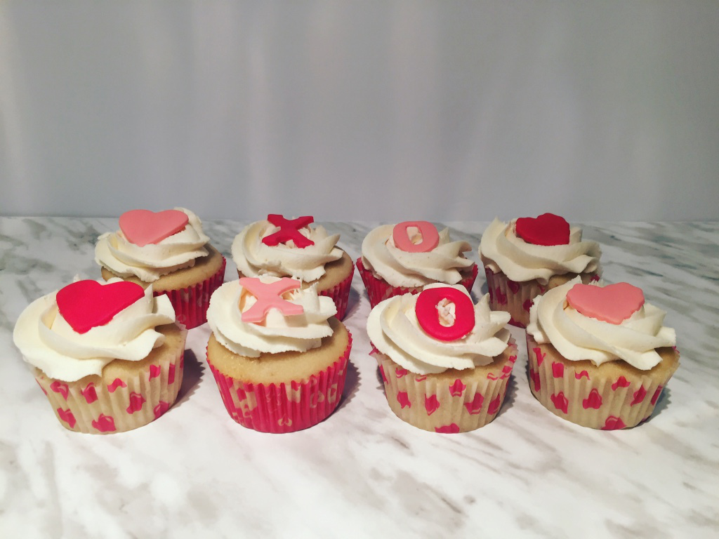 The Little Loft - valentines cupcakes 1