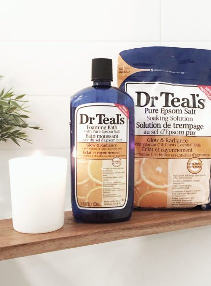 Dr. Teal's Glow and Radiance Soak and Foaming Bath Review