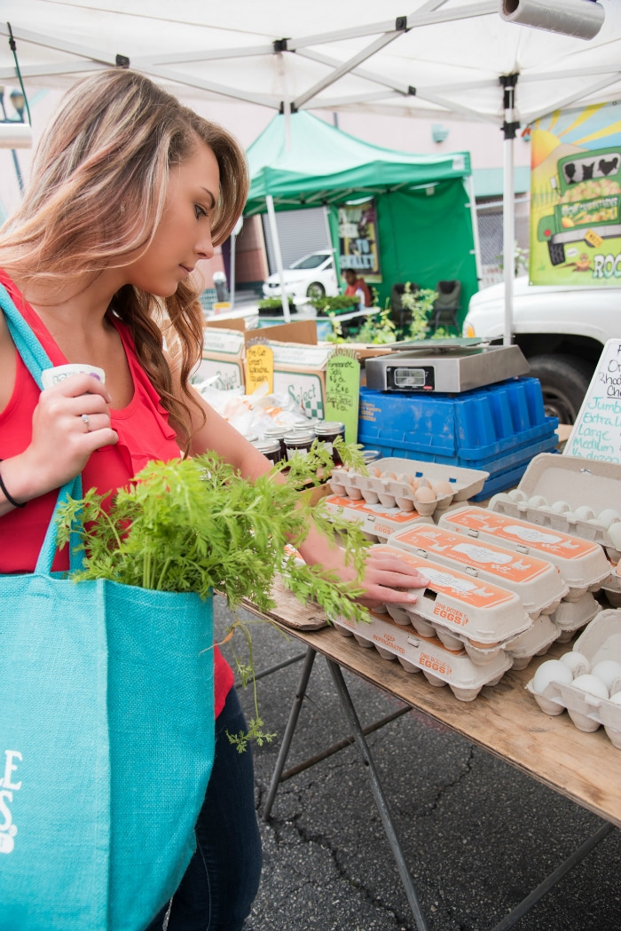 Farmer's markets are a great way to save money, and get the freshest ingredients. These farmer's market tips will help you save money and choose the best ingredients.