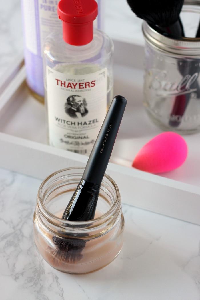 make-up-brush-cleaner