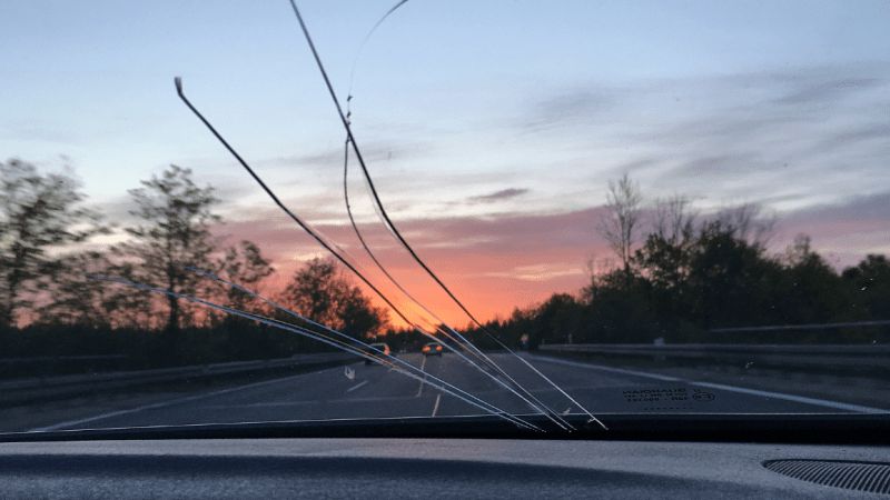Can I Drive With A Cracked Windscreen?