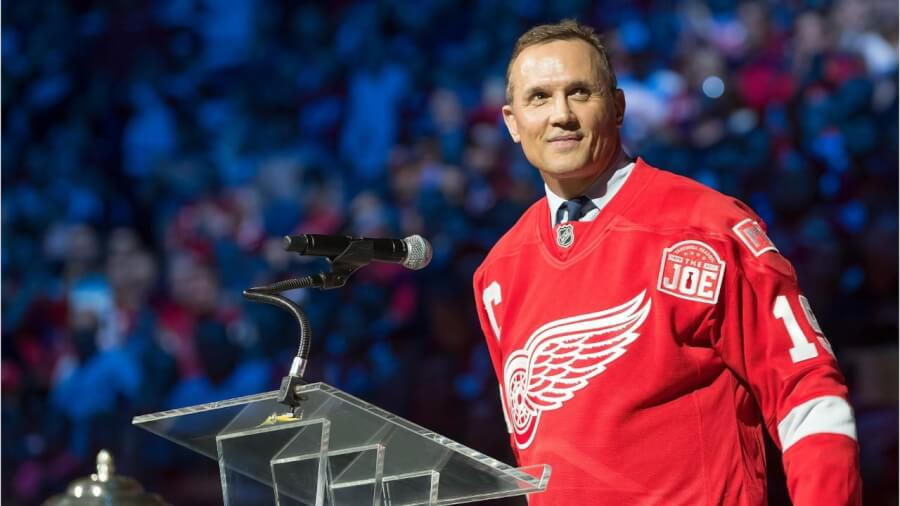 Is it true that Steve Yzerman once lived on Latson Road in Howell?
