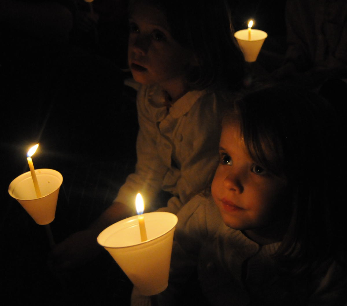 Candlelit Christmas carol singalong set for Dec. 22