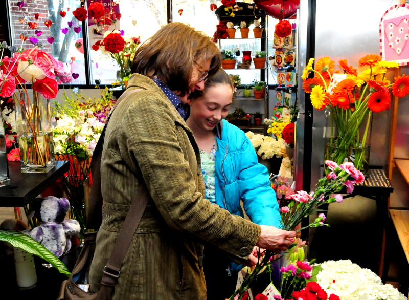Near-record spending expected this Valentine's Day