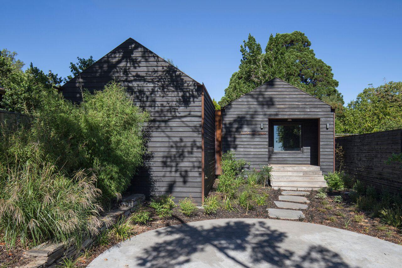 Hardwood House By Adam Kane Architects In Dayelsford, Vic (2)