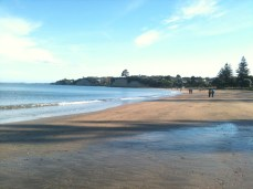 Walk the pipeline from Campbells Bay to Murrays Bay. Stop halfway at Mairangi Bay for icecream or coffee.