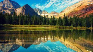 quiet-mountain-lake-wallpaper