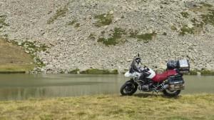 Lago en un valle escondido, camino a Isola