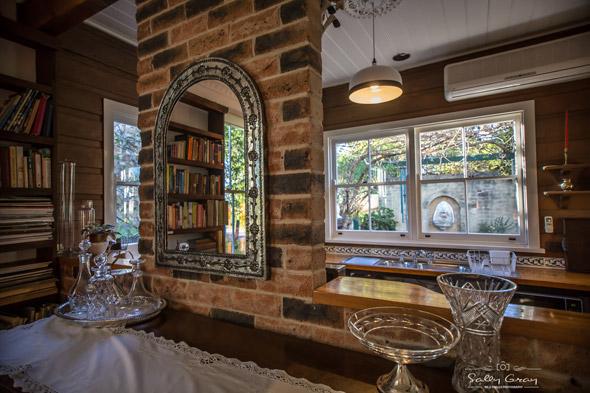 Queen-Bee-Cottage-Milton-kitchen-view-590px