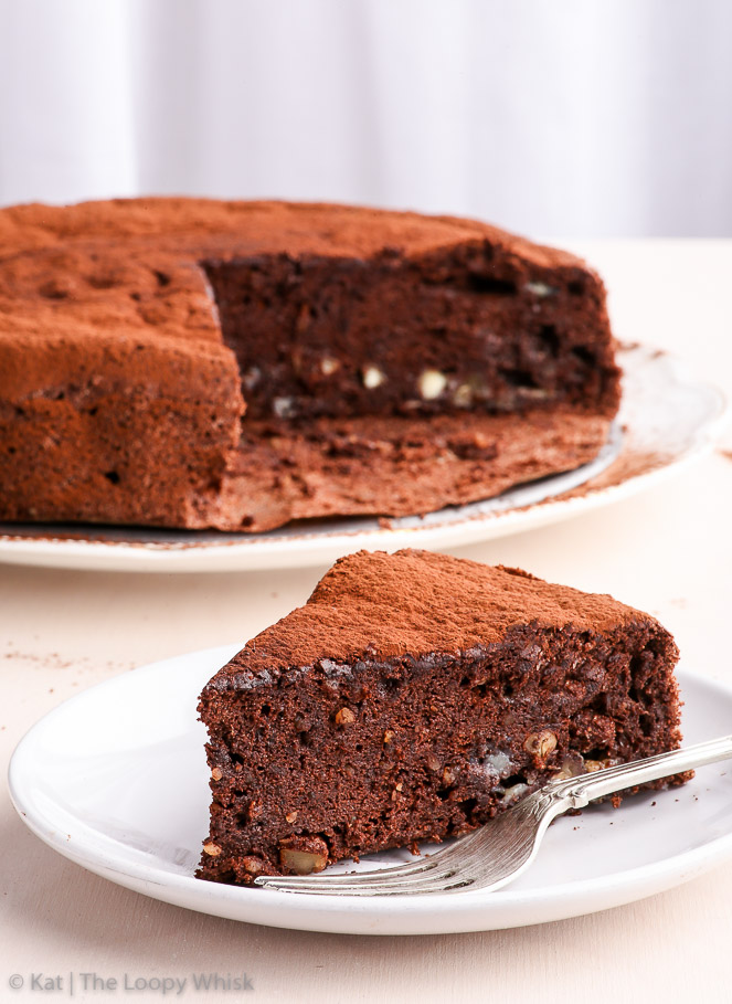 Easy Amp Healthy Flourless Chocolate Cake The Loopy Whisk
