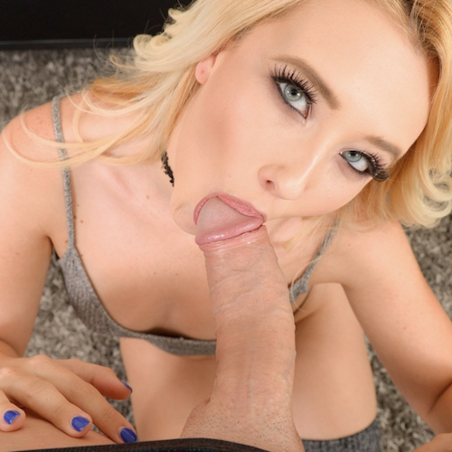 Watch Samantha Loves To Suck Cock On First Class Pov