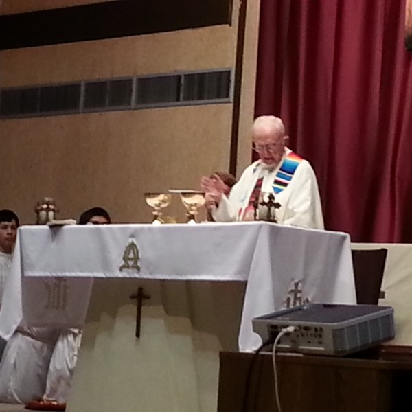 Mass at Las Alas prayer meeting
