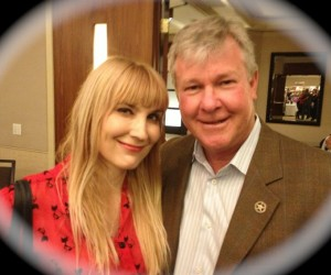 My photo with CHiPs actor  Larry Wilcox. Another freebee. (Photo by Nikki Kreuzer)
