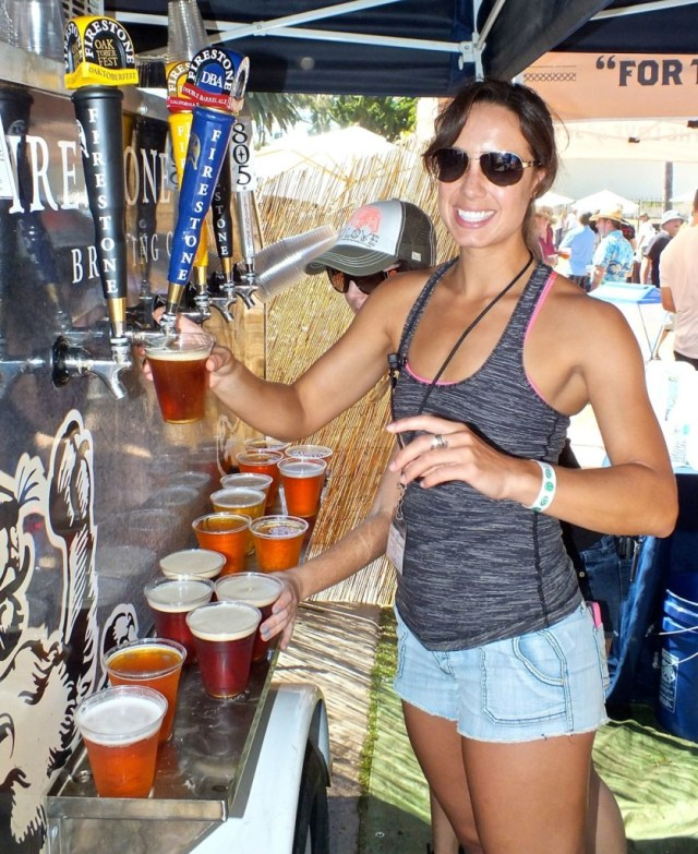 Pouring Firestone-Walker Beer. Photo by edward simon for The Los Angeles Beat
