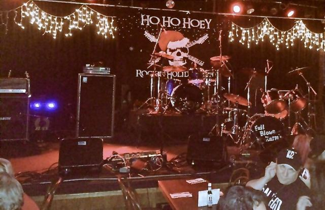 Ho Ho Hoey at the Coach House. Photo by Ed Simon for The Los Angeles Beat.