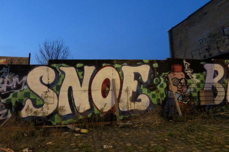 Lea Bridge Road Leyton graffiti
