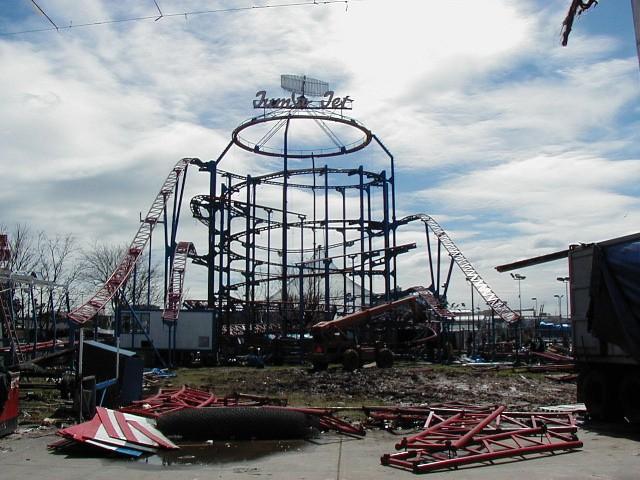 Coney Island Jumbo Jet being dismantled