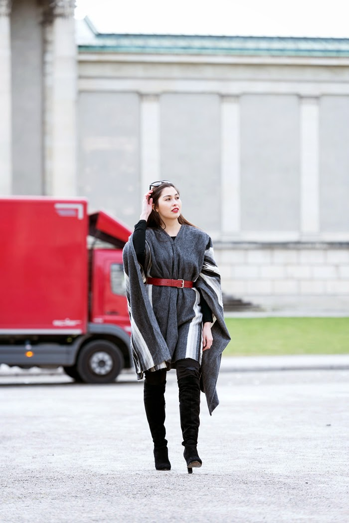 Poncho-Peru-Fashionblogger-Ootd-New-Post-Winterlook-Streetstyle-Munich_10