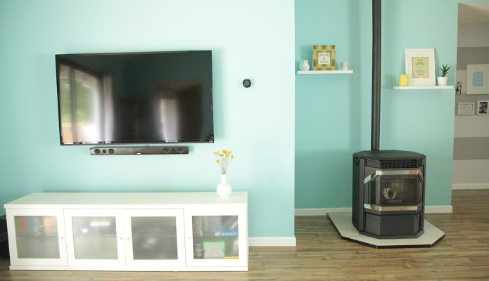 Freestanding pellet stove in the living room #thelovelygeek