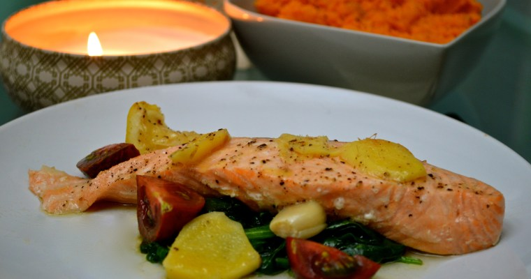 Baked salmon with ginger, lemon and garlic