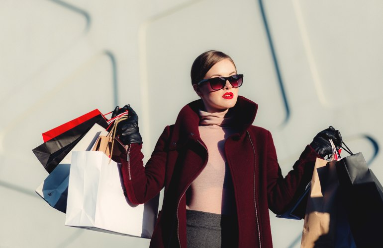Find out what the top 5 online shopping stores are and shop your way into luxury!