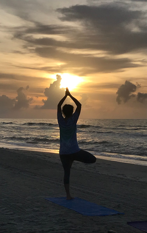Sunrise Yoga www.theluckywife.life.jpg