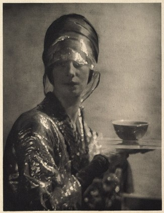 Adolf de Meyer, portrait of Marchesa Louisa Casati 1912