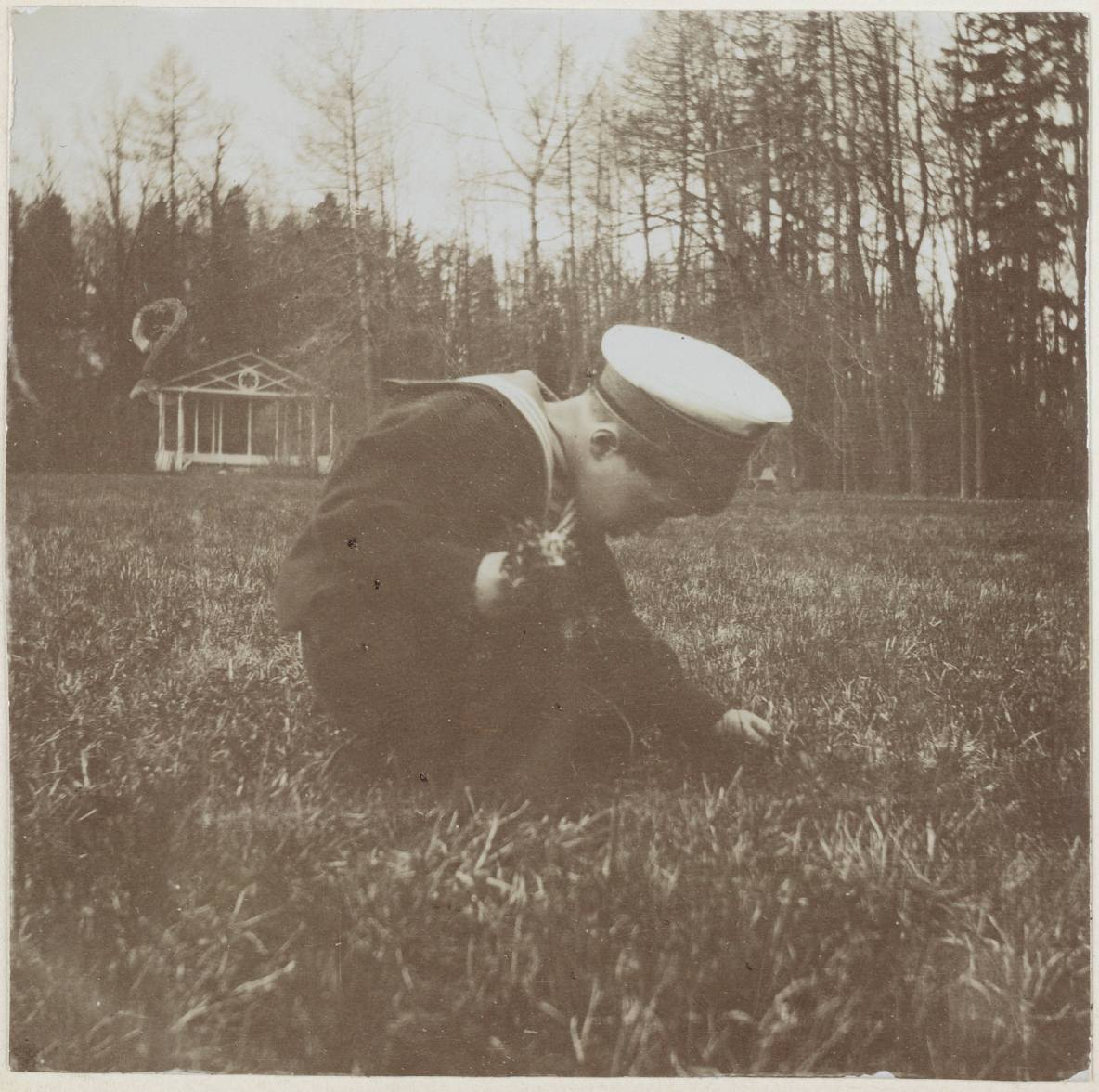 Photography from the private archive of the Romanovs family-Lujon Magazine45